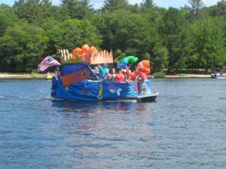2016 boat parade_finding dory